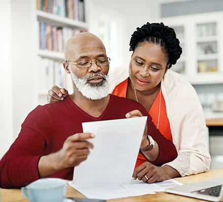 eledery couple talking about retirement